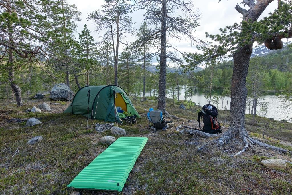 Zelten nahe der Storskoghytta im Rago Nationalpark