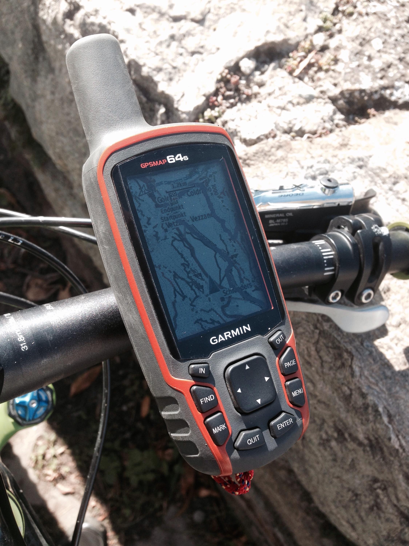 GPSmap 64s am Lenker montiert