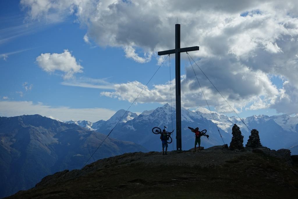 Gipfelgruß auf Vinschgauerisch, oder? Der Vinschgau ist ein Mountainbiker-Eldorado.