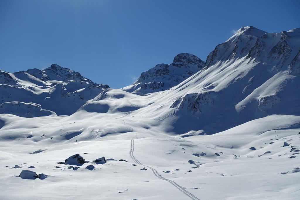 Skitourenspur bei Heidelberger Hütte
